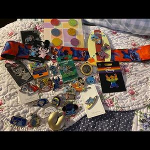 Disney Stitch lot of over 40 pins new/old lanyard✨